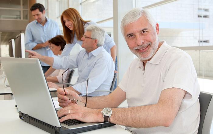 older people using computes